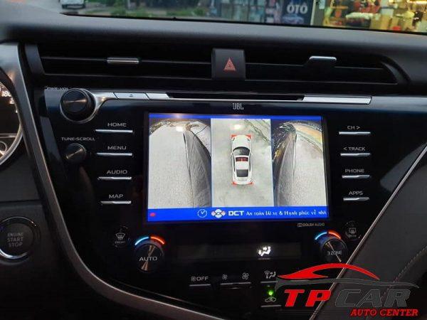 Hiển thị toàn cảnh xung quanh xe ngay khi khởi động