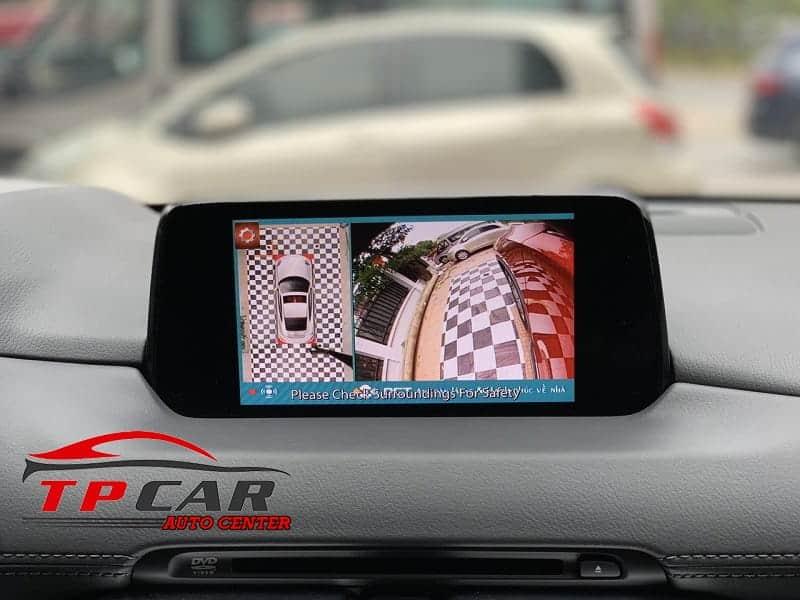 Camera 360 độ hiển thị được nhiều góc quay xung quanh xe