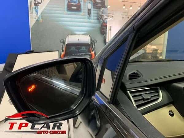 hệ thống cảnh báo điểm mù ô tô